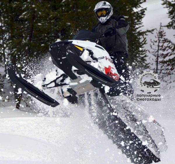 Мы попытались найти слабые стороны RMK Pro 600 2012. Но их не оказалось. Именно на нём мы наездили больше всего километров. А вот вам доказательство, что этот снегоход может летать.