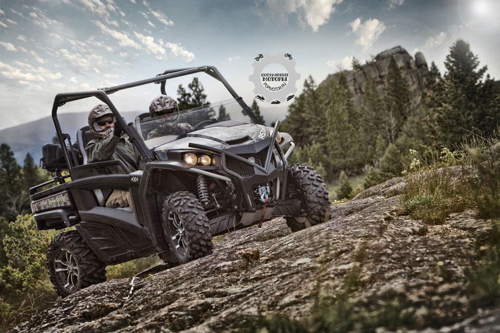 John Deere привнесли в семейство моделей Gator спортивную производительность с выходом RSX850i.