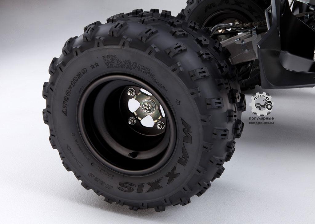Новая конструкция колёс позволила Yamaha немного уменьшить вес YFZ450R.