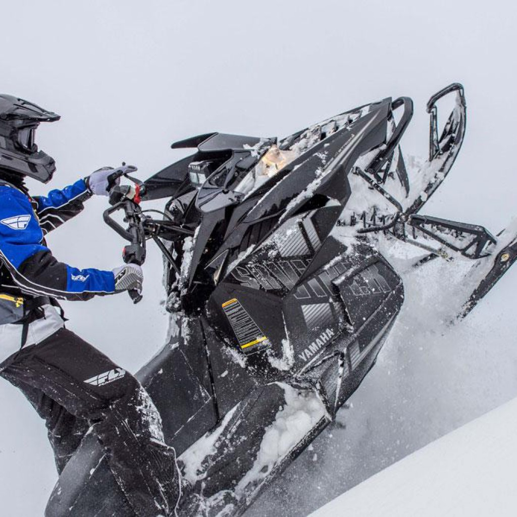 Фото анонса модельного ряда снегоходов Yamaha 2015 года - Yamaha SR Viper MTX 153 2015