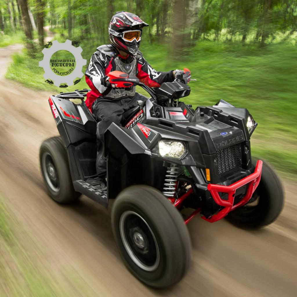 Фото модельного ряда ATV и UTV Polaris 2013 года - Polaris Scrambler XP 850 LE 2013 на скорости