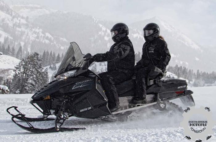 Фото снегохода Arctic Cat Pantera 2015 партнерство Arctic Cat и Yamaha
