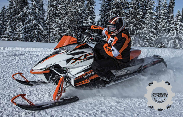 Фото снегохода Arctic Cat XF7000 Sno Pro 2015 партнерство Arctic Cat и Yamaha