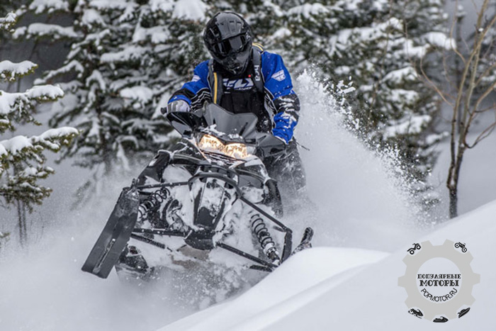 Фото снегохода Yamaha SR Viper MTX 153 2015 партнерство Arctic Cat и Yamaha