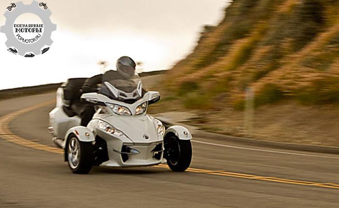 Фото мотоцикла Can-Am Spyder RT Limited - 10 лучших туристических мотоциклов