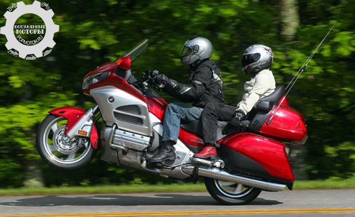 Фото мотоцикла Honda Gold Wing - 10 лучших туристических мотоциклов