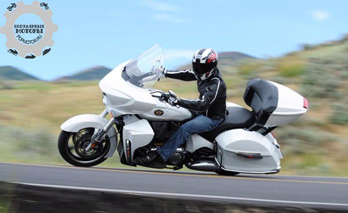 Фото мотоцикла Victory Cross Country Tour - 10 лучших туристических мотоциклов