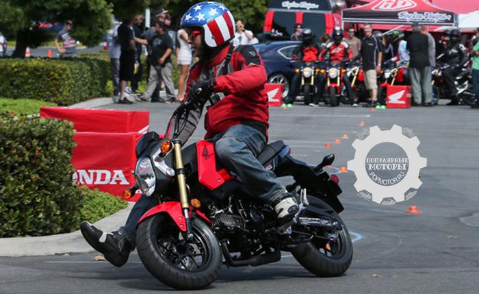 Фото Honda Grom - 10 самых дешёвых уличных мотоциклов 2014 года