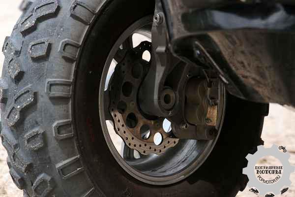 Фото квадрогидроцикла Gibbs Quadski - колесо
