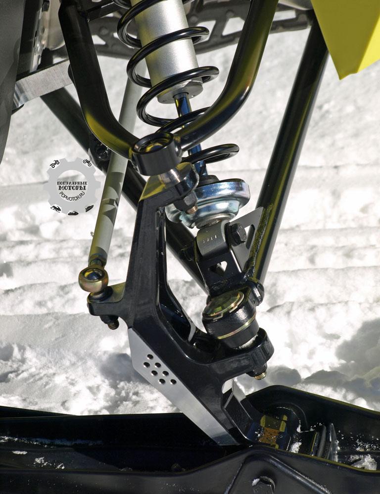 Фото снегохода Ski-Doo MXZ TNT ACE 900 2015 — передняя подвеска Ski-Doo RAS2