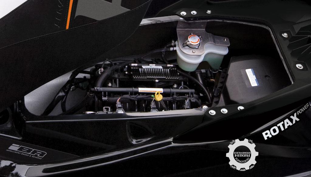 1494 кубических сантиметра, нагнетатель и интеркулер — это невероятно мощный двигатель.