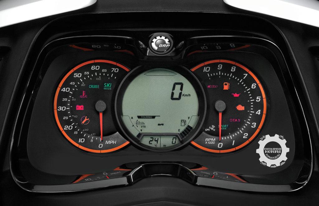 Фото гидроцикла Sea-Doo RXT 260 2014 - приборная панель