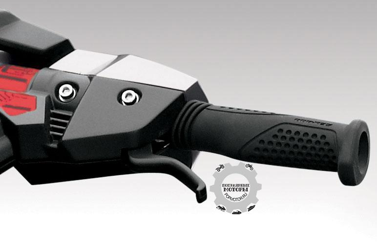Выжмите тормозной рычаг, и RXT-X 260 будет замедляться примерно на 50% быстрее.
