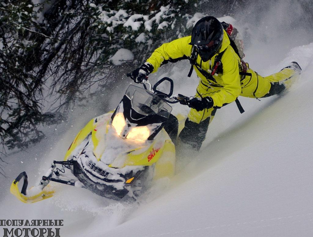 Ski-Doo T3 Summit X 163 и 174 —первые в индустрии модели, оснащаемые производителем гусеницей с трёхдюймовыми (76 мм.) зацепами в стандартной комплектации.
