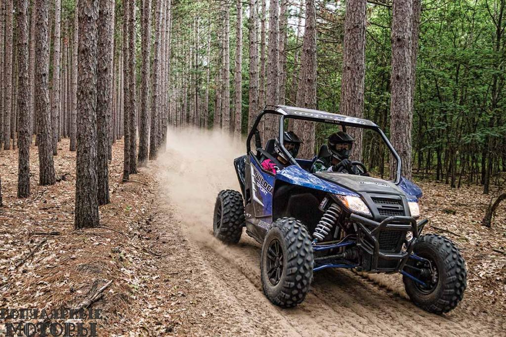 Мы остались довольны увеличенными дверьми на Wildcat Sport, которые лучше защищают водителя и пассажира от грязи.