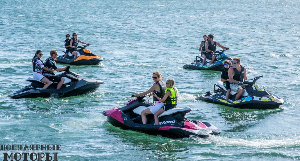 Новаторский Sea-Doo Spark возвращается в 2015 модельном году в ассортименте сочных и привлекательных цветов.