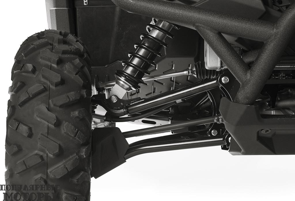 Полностью регулируемые комбинированные амортизаторы KYB дают 246 миллиметров хода передней подвески и 269 миллиметров хода задней подвески.
