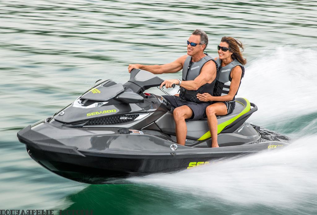 Помимо немалого списка дополнительных фич GTX Limited 215 может похвастаться мощным двигателем и отличной управляемостью, как на волнении, так и на спокойной воде.