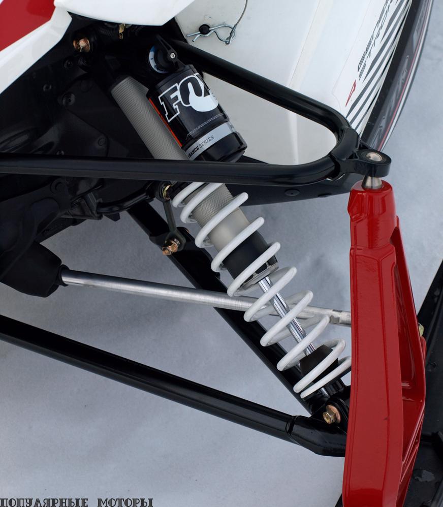 Новые комбинированные алюминиевые ремонтопригодные амортизаторы Fox настраиваются простым трёхпозиционным регулятором, меняющим настройки демпфирования сжатия.
