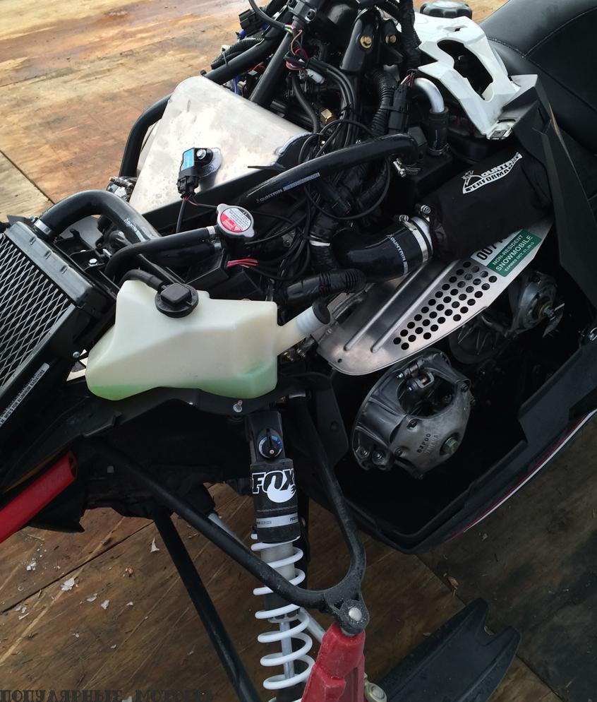 урбокомпрессор на снегоходах Yamaha — впечатляющая установка, увеличивающая мощность машины и при этом соответствующая всем современным стандартам по уровню шума и вредных выбросов.