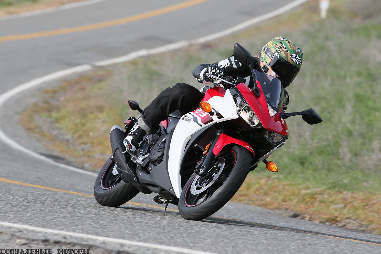 """Конструкторы Yamaha назвали стиль R3 """"R-DNA"""" с его выдающимся вперёд силуэтом, задранной вверх хвостовой частью, двойной передней фарой и аэродинамическим дизайном а-ля R6."""