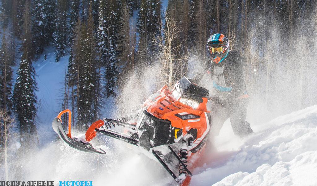 Новая конструкция боковых панелей позволяет Assault плавно нестись по снегу и правильно распределять вес на подъёмах и во время езды поперёк склона.