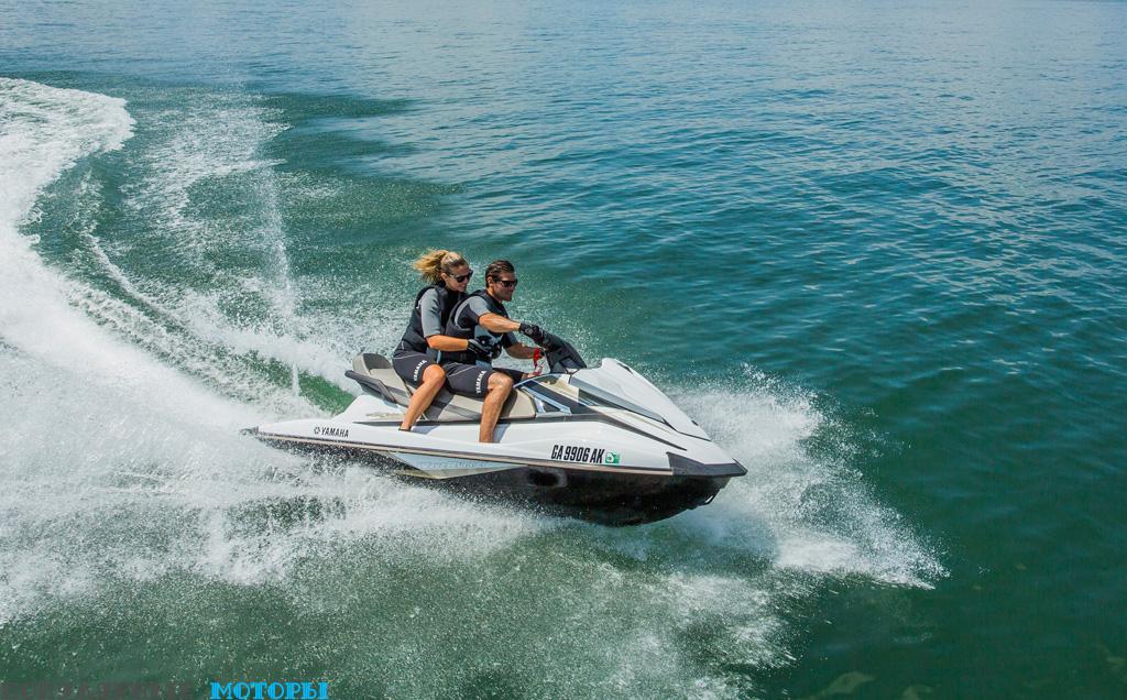 Фото Yamaha VX Cruiser 2015 - двое